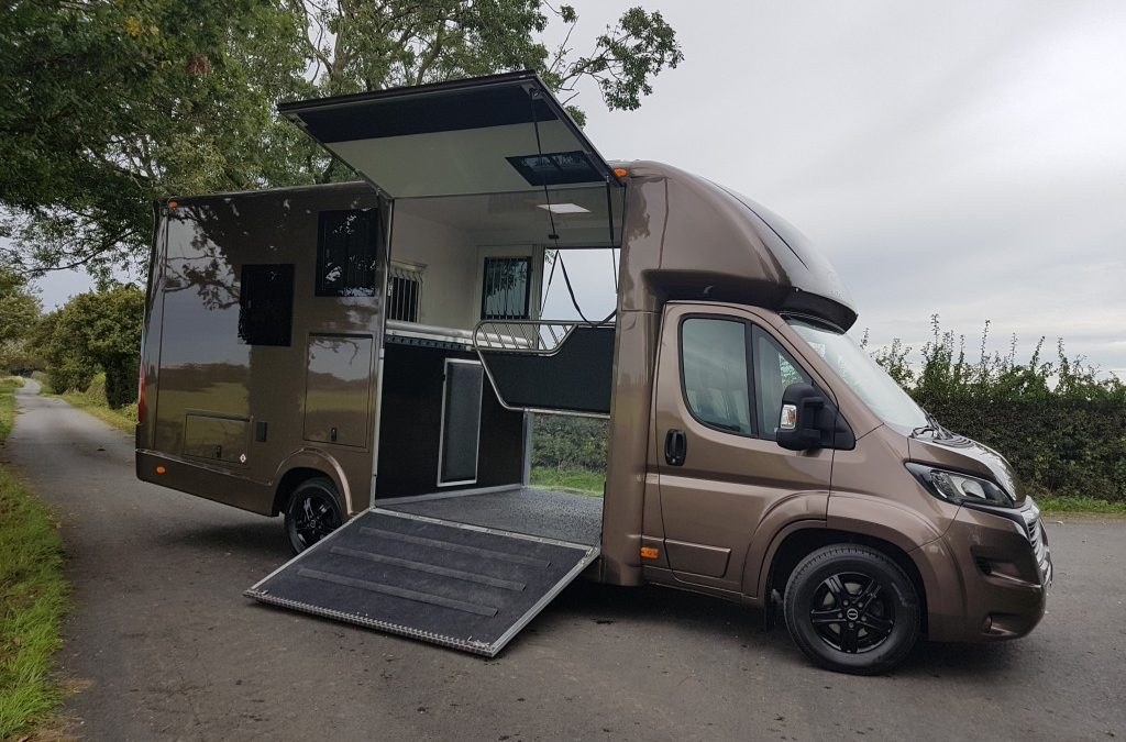 0bb24c6117 Horsebox sales - Kevin Parker Horseboxes sizes and dimensions