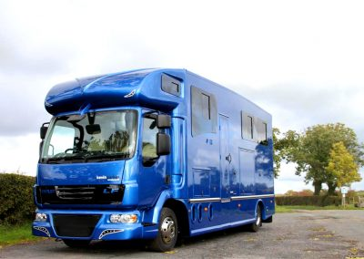 Blue-Helios-HGV-horsebox