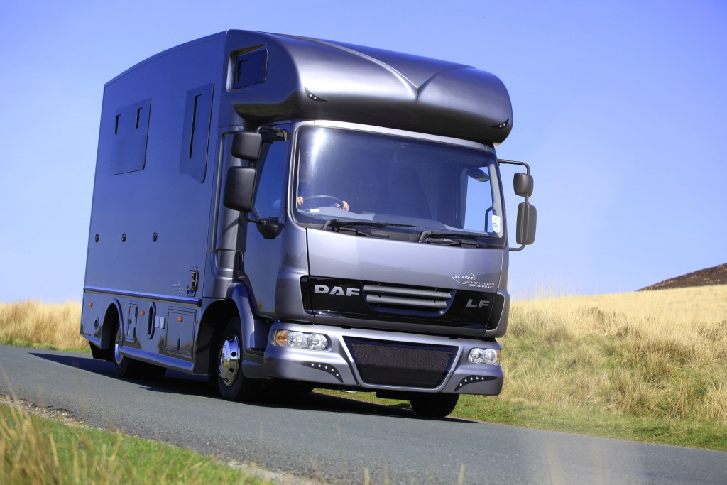 Helios 7.5 horsebox by KPH