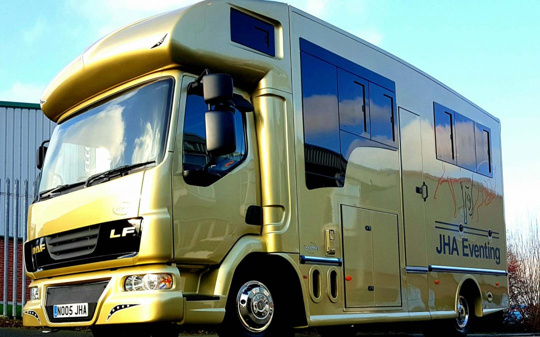 Lightweight horseboxes from KPH