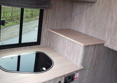 Aeos Hybrid 4.5 kitchen area