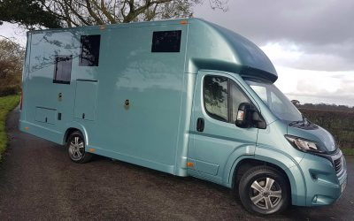 Example of the quality of our used Aeos horseboxes for sale
