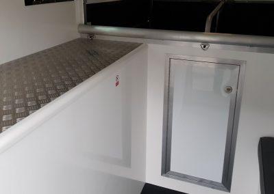 Aeos Compact 4.5 interior