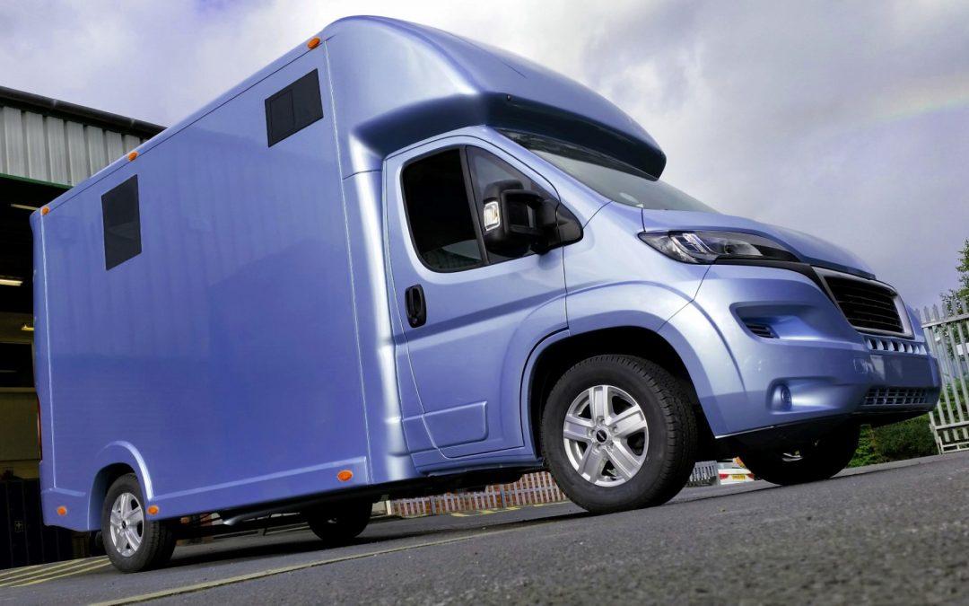 Aeos 3.5 tonne Compact horsebox in light metallic blue