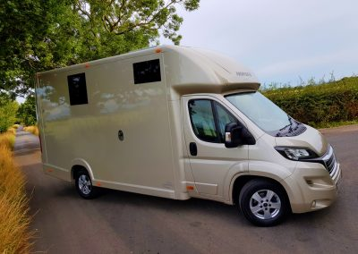Aeos 3.5 tonne Compact horsebox in metallic champagne
