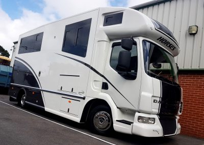 Helios 7.5 tonne horsebox in metallic grey and white