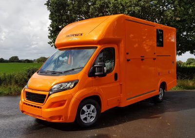 Aeos 3.5 tonne Compact horsebox in pearl metallic orange