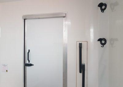 Aeos QV ST35 horsebox grooms area and rear door