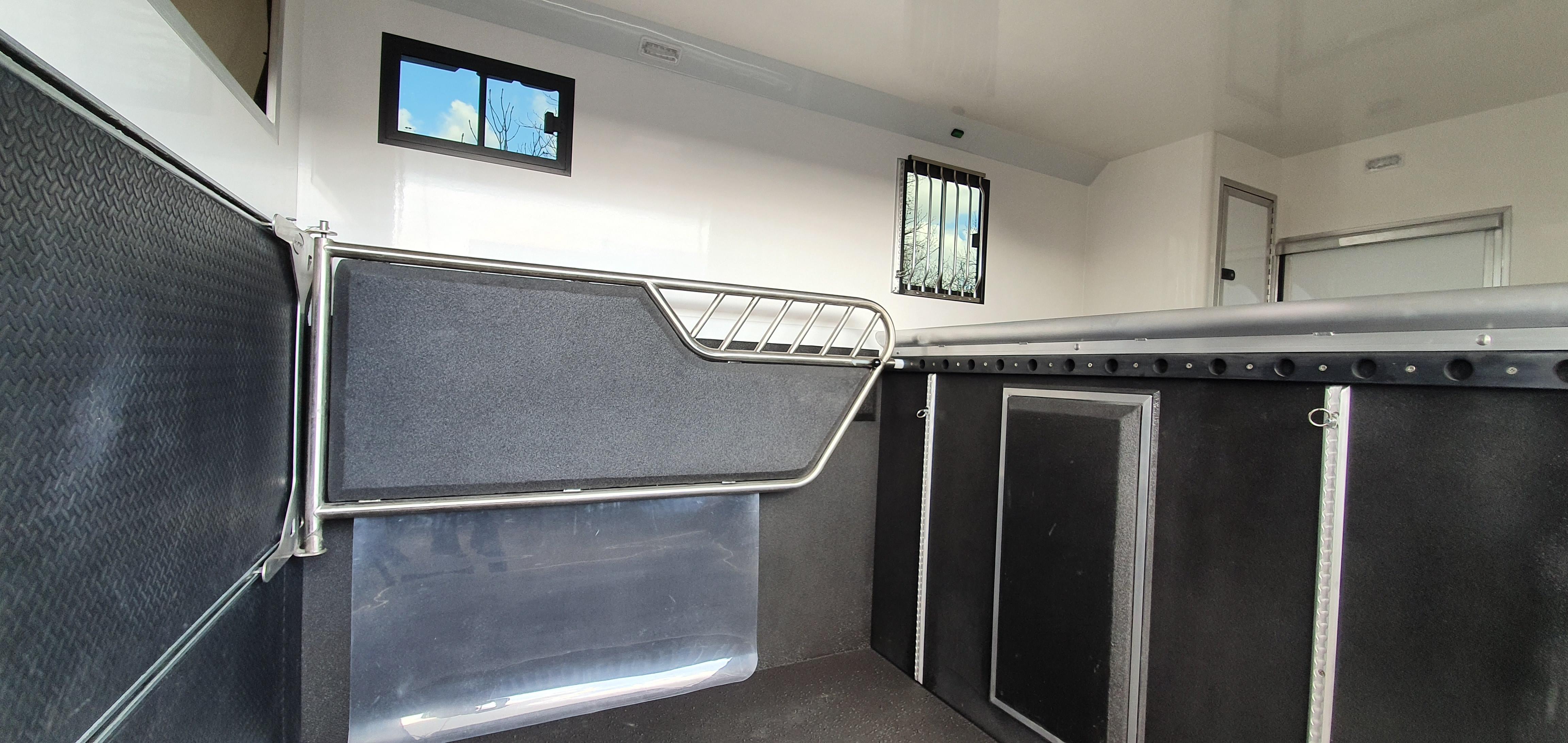 KPH Aeos Compact 45 horse area