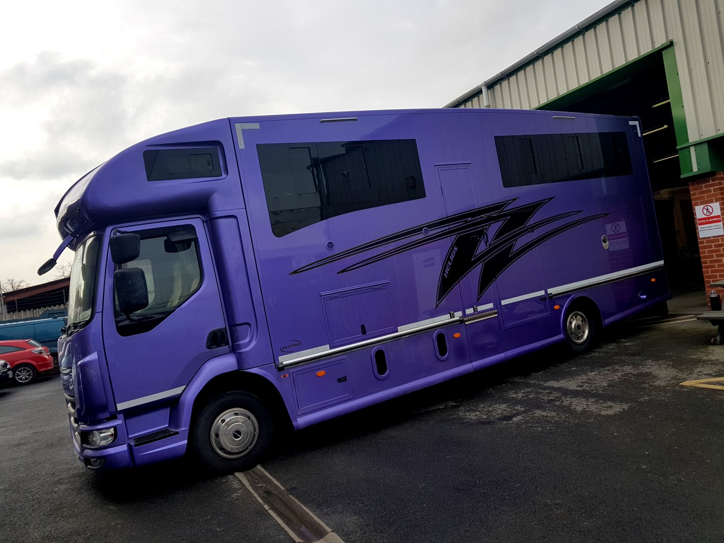 HGV Helios horsebox for sale